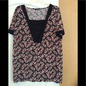 Black/Multi color floral top plus size 2X($2/18)